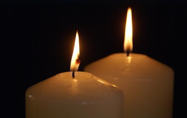 90_20_8---Two-Advent-Candles_web